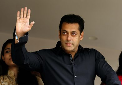 Salman backs Bhansali,says nothing wrong with director's films