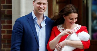 It's a boy: 'Very excited' Prince William takes Kate home after birth of prince